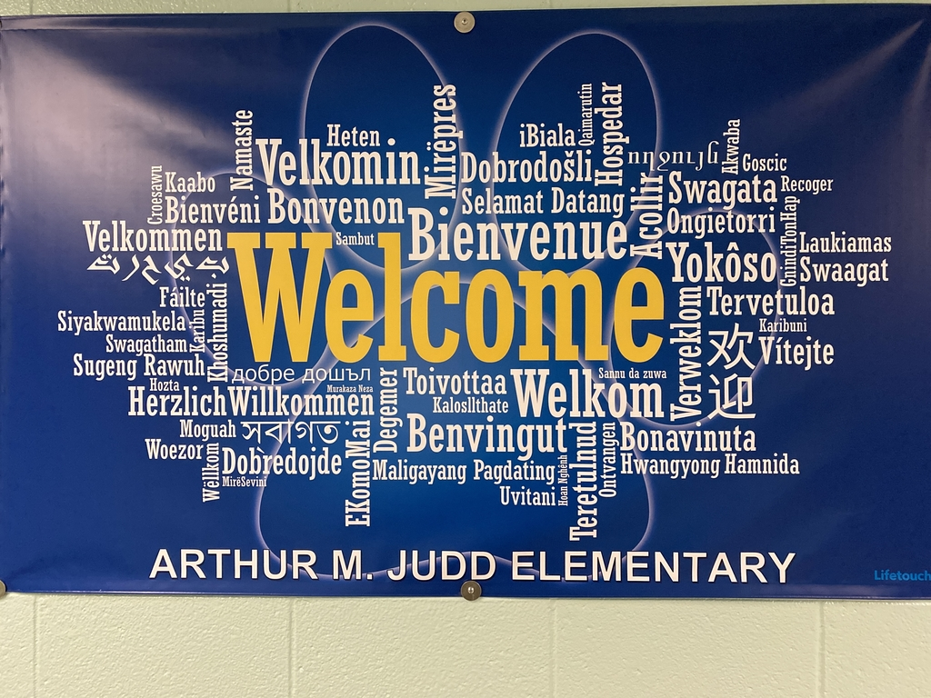 Judd welcomes everyone! Can you find your language?